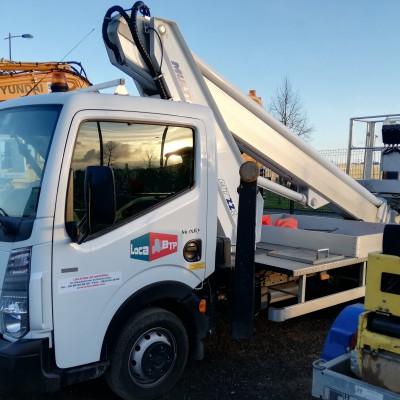 Camion nacelle Multitel MT 222